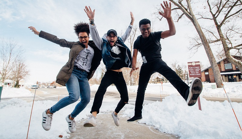3-comportamentos-que-voce-pode-adotar-hoje-para-ser-mais-feliz